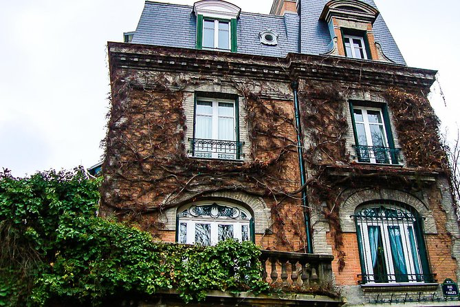 Montmartre Walking Tour with a Private Local Guide