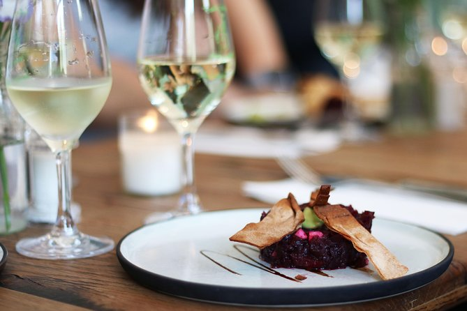 Discover 3 gastronomic restaurants in Amsterdam - self-guided food & wine tour