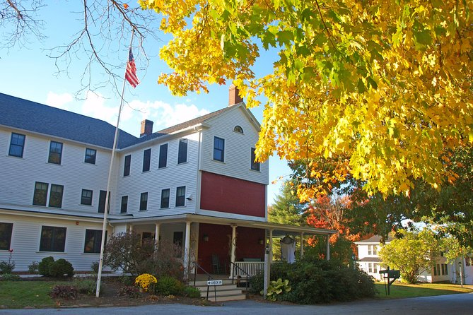 Autumn in New England: Fall Foliage Sightseeing Day-Trip with Lunch from Boston photo 12