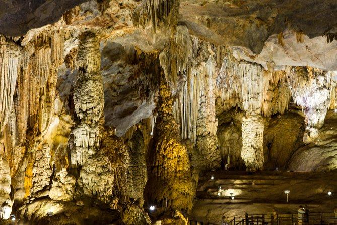3-Day Hue, Vinh Moc & Paradise Cave Tour from Da Nang