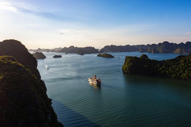 Overnight Luxury Cruise Halong Bay-Lan Ha Bay with Dinner on Floating Farm