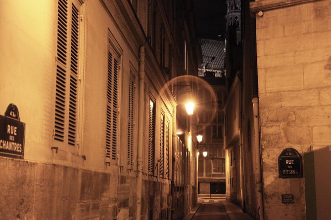 Ghosts, Mysteries and Legends Night Walking Tour of Paris photo 6