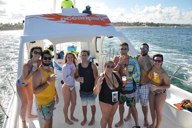 Half-Day Punta Cana Private Catamaran: Snorkeling, Natural Pool and Virgen Beach