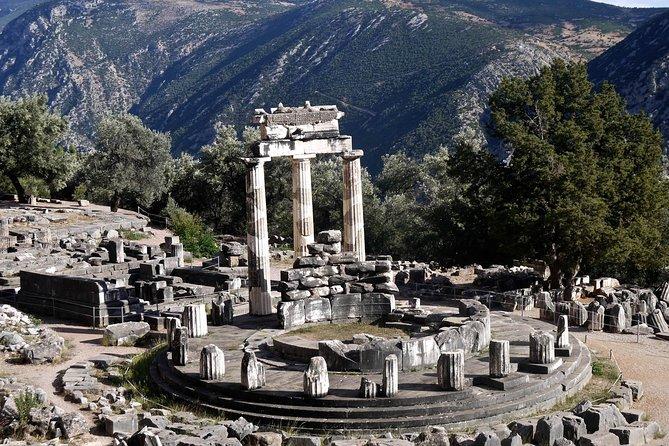 Privat tur i Delphi fra Athen, Museum for tebene og landsbyen Arachova