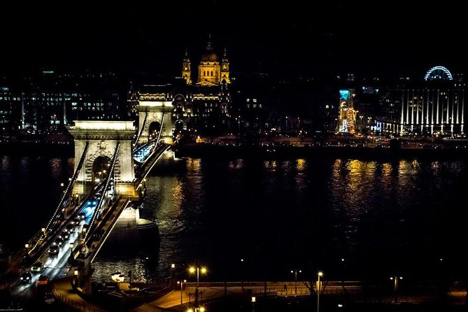Budapest walk by night: from Buda Castle to the heart of Pest