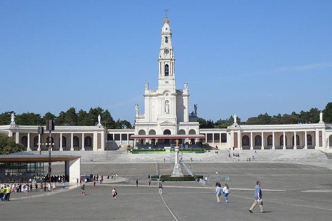 Half-day excursion for small groups in Fatima from Lisbon