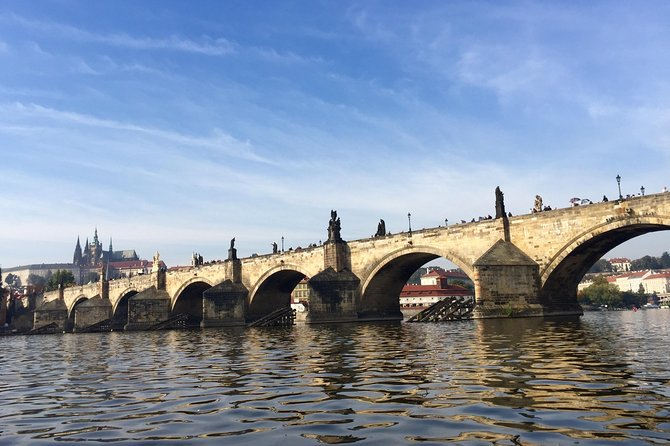 Private Custom Half-Day Tour: Prague Castle and River Cruise