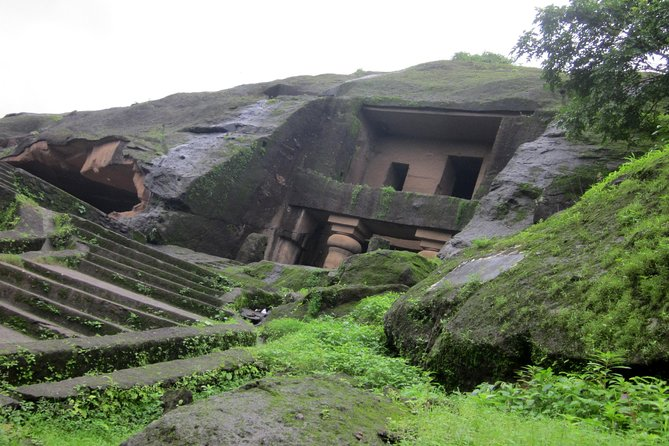 Mumbai Caves Tour in Private Vehicle
