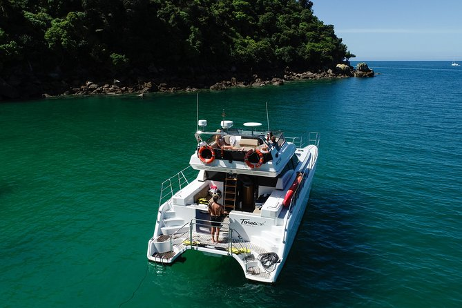 Enjoy your day in the National Park from our charter boats