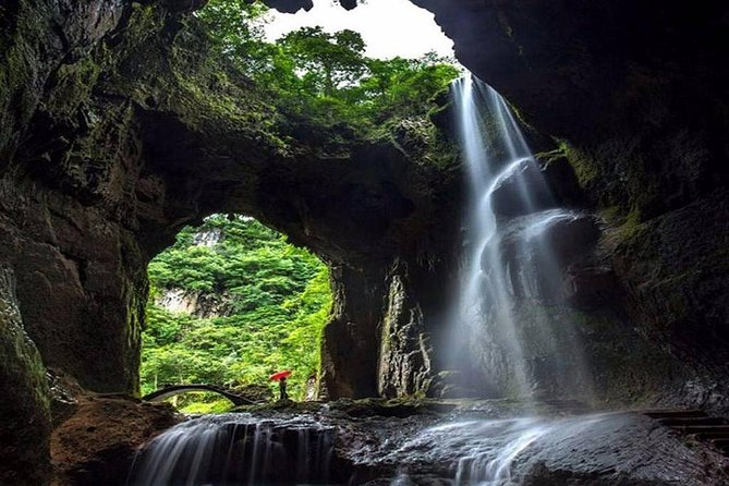 1 Day Dragon Sitting Gorge & Red Stone Geo-park TOUR!