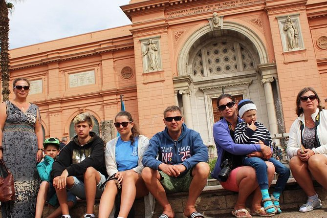 A Private Tour to pyramids,Egyptian Museum,Coptic Cairo and Bazaar,all inclusive