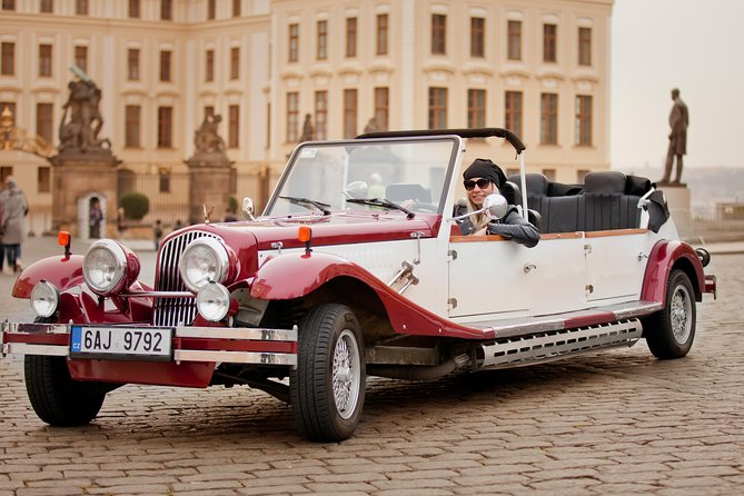 Exclusive Prague tour in a historic veteran car