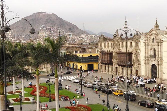 Casual tour of Lima. A different style...