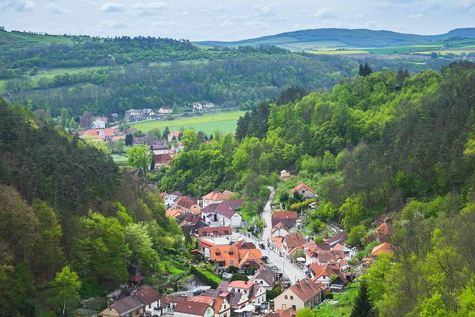 Prague-Munich One-Way Sightseeing Day Tour