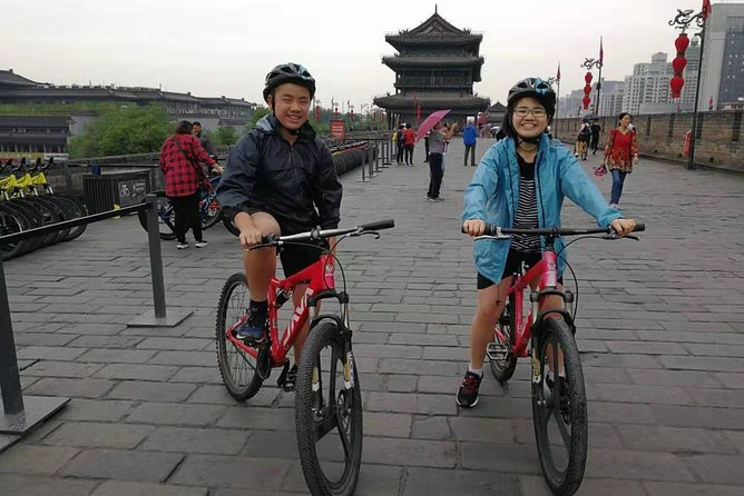 Xi'an City Wall Morning Cycling and Market Walking Tour photo 2