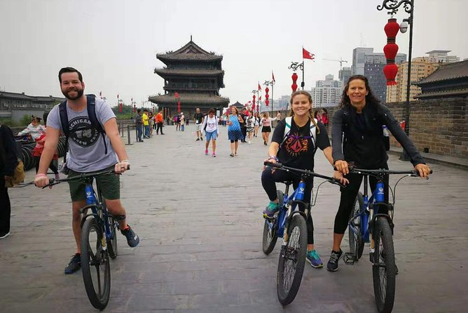 Xi'an City Wall Morning Cycling and Market Walking Tour photo 4