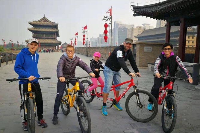 Xi'an City Wall Morning Cycling and Market Walking Tour photo 9