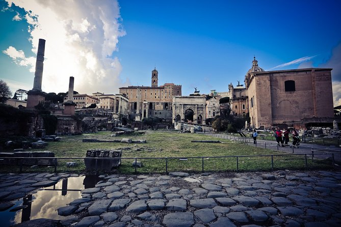 Hop On Hop Off 24 Hours and Colosseum, Roman Forum and Palatine Hill photo 9