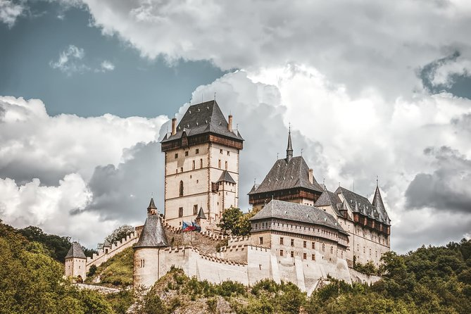 Private Karlstejn castle tour from Prague with Lunch and Admission