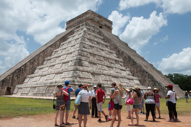 2-Day Tour Chichen Itza: Overnight Stay at Mayaland Resort from Merida