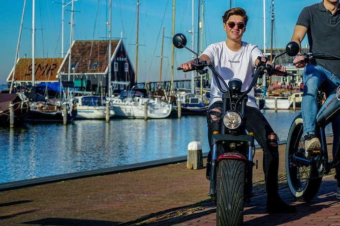 E-scooter 3 hours tour Volendam, Monnickendam, Marken including boatcruise