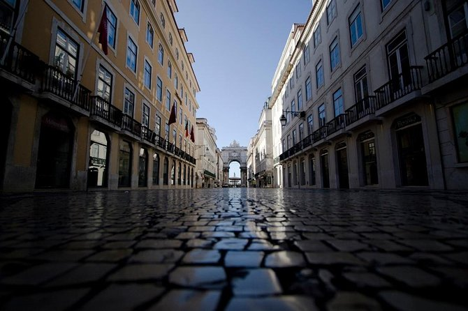 Lisbon Half Day Tour by van photo 1
