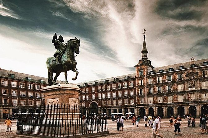 Skip-the-line Palacio Real de Madrid & The Old City Guided Tour - Private Tour photo 16