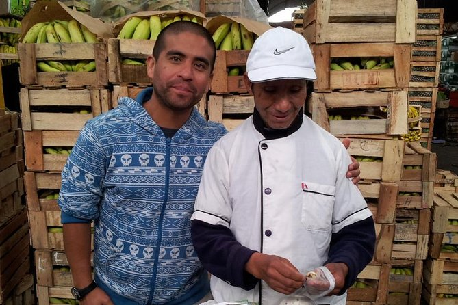 Fruit Kingdom - The biggest fruit market of Lima