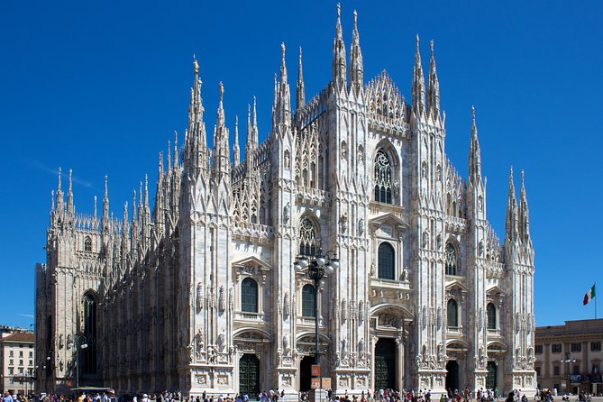 Milan: skip-the-line Duomo guided tour (optional rooftop access) photo 1