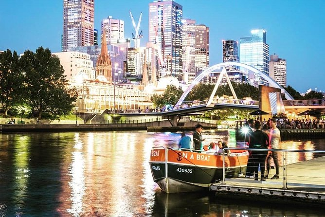 Melbourne: Sunset Pizza Cruise On The Yarra River