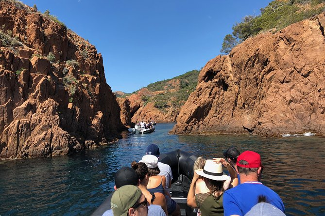 Boat excursion at the Calanques of the Esterel natural park