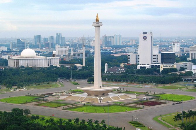 Private Jakarta City Tour : Full-day Explore Highlight Places and Historic Sites