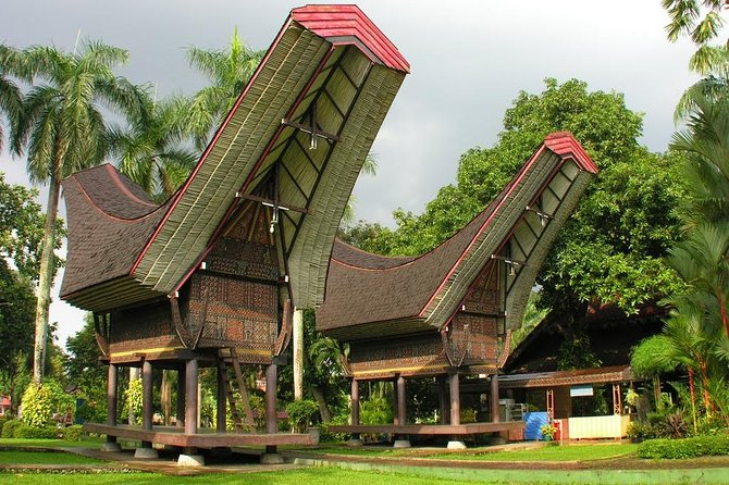 Private Jakarta City Tour : Indonesian Local Ethnic Life, Culture & Tradition