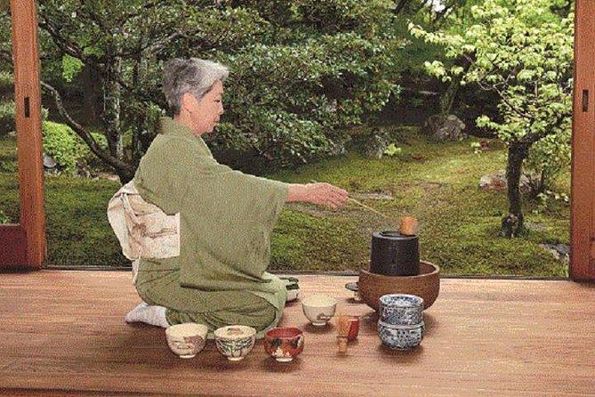Private Teezeremonie mit tragendem Kimono in Kyoto, Zen Temple Daitokuji