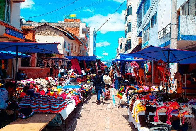 Private Sightseeing Tour Otavalo and Surroundings