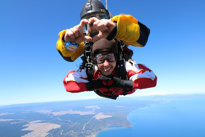 15000 ft Tandem Skydiving from Rotorua