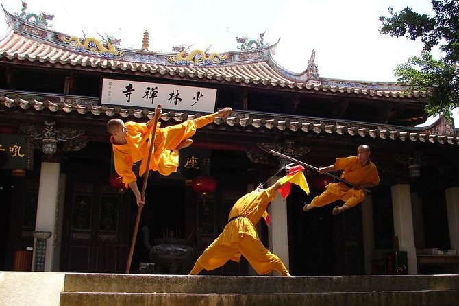 Zhengzhou Private Tour to Shaolin Temple including Kungfu Lesson and Activities photo 3