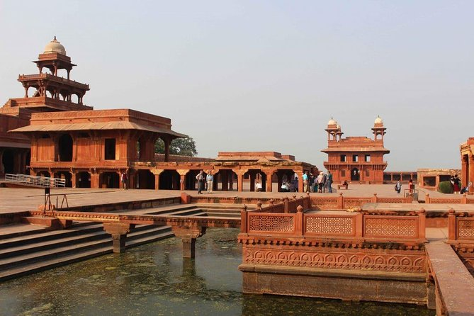 Private Excursion to Fatehpur Sikri And Abhaneri Stepwells From Agra To Jaipur
