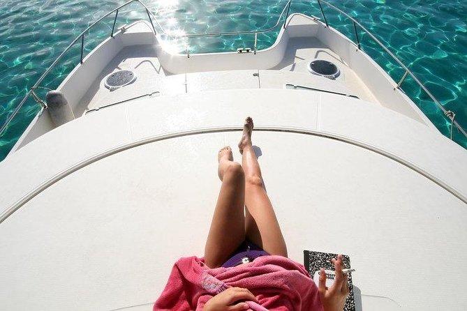 Santorini Private Motor Yacht Cruise