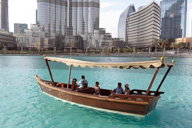 Dubai: Fountain Show og Burj Lake Ride med tradisjonell båt