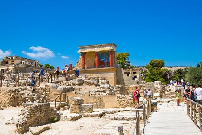 Knossos Museum and Heraklion tour from Rethymno