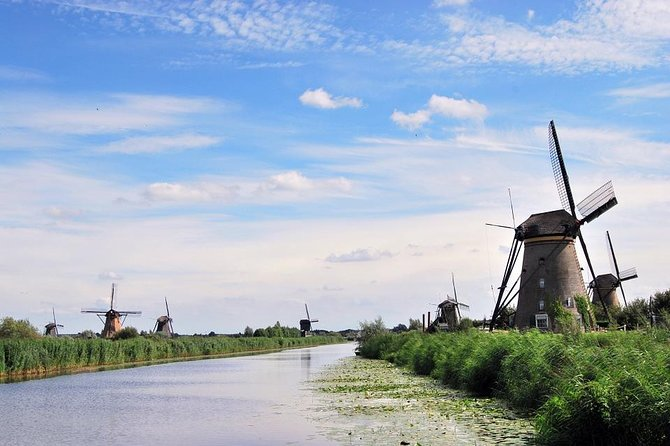 UNESCO'S Kinderdijk and The Hague Small Group Tour with Museum Visit