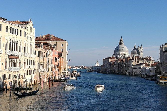 Private Venice Accademia Galleries & Dorsoduro Treasure Hunt for Kids & Families