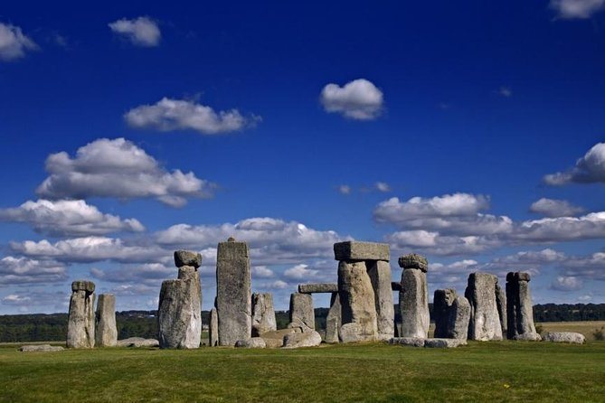 Stonehenge and Windsor Castle private tour