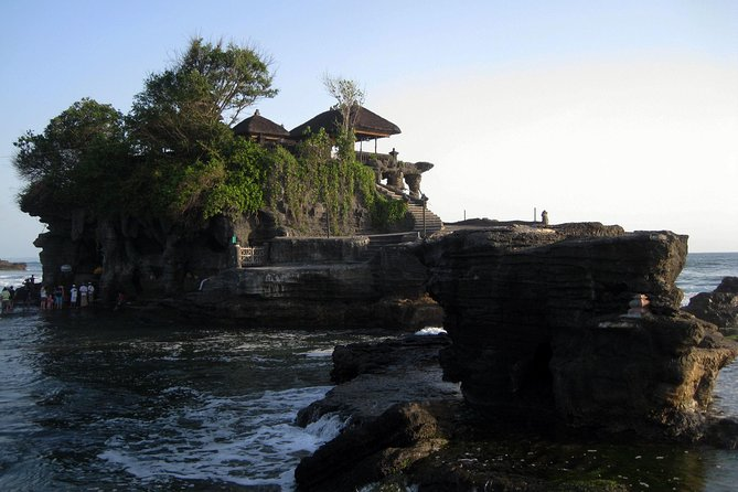 Bali Monkey Forest, Mengwi Temple, and Tanah Lot Afternoon Tour photo 6