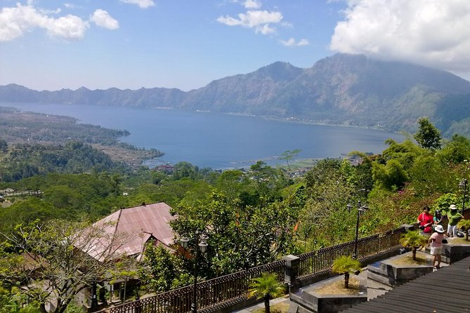 Full Day Artisan Village and Volcano Tour