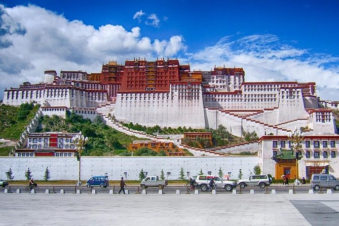 9 Day Lhasa City Essential Group Tour with Kathmandu Sightseeing