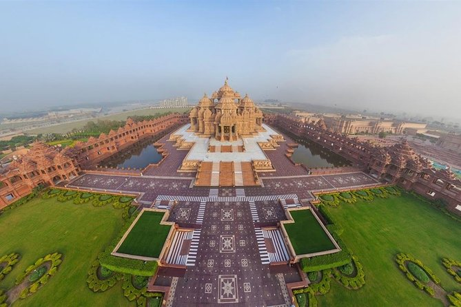 Private Morning Excursion with Visit to Akshardham Temple with Guide & Transport