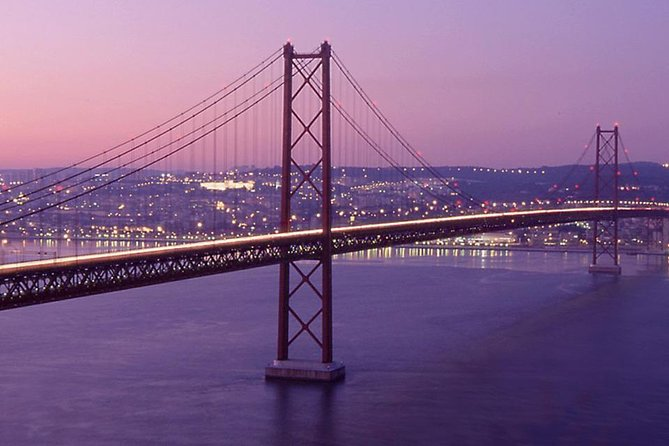 Private Lisbon Night Tour with Dinner and Fado Show