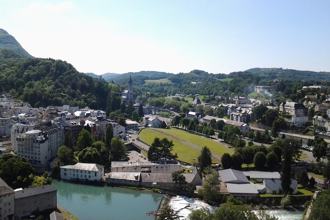 Private Guided History tour of Lourdes